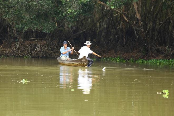 Bằng việc khai thác và sử dụng hợp lý tài nguyên, hơn 200 hộ dân sống quanh Vườn Quốc gia được khai thác và sử dụng tài nguyên hợp lý khi mùa nước nổi về